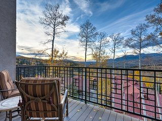 Townhome close to Mountain Village core, great views overlooking San Sophia range, private hot tub - Sophia Highlands - Mountain Village vacation rentals