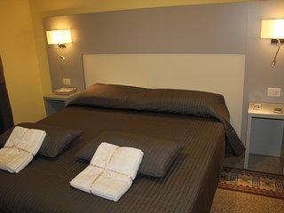 STAR Suite  in centro città  -Room luxury- - Salerno vacation rentals