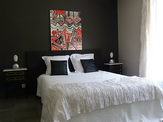 Romantic 1 bedroom Guest house in Lagord - Lagord vacation rentals