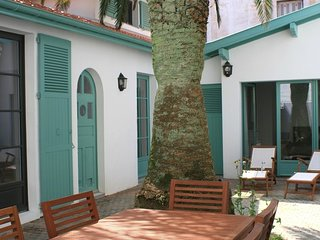 Centrally 2br house + Loft & Peaceful patio - Biarritz vacation rentals