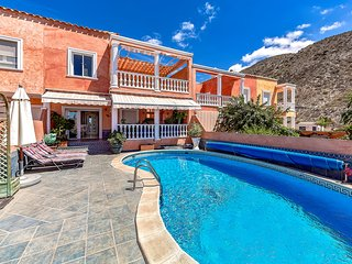 3 bedroom Villa in Los Cristianos Tenerife - Los Cristianos vacation rentals