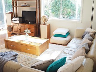 4 bedroom House with Internet Access in Bulli - Bulli vacation rentals