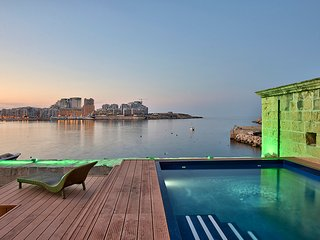 Spectacular Valletta House With Pool - Valletta vacation rentals