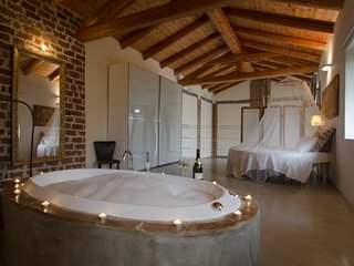 "Monferrato Country House ""Il Riposo"" camera Alba - San Damiano d'Asti vacation rentals"