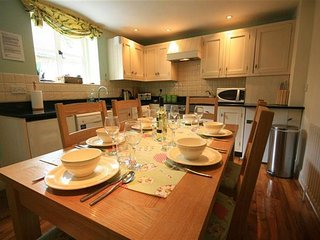 Honeysuckle Cottage, Lower Oddington. - Lower Oddington vacation rentals