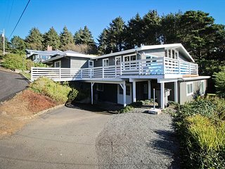 TREASURE ROCK - Newly remodeled, large, spectacular home with OCEAN View. - Manzanita vacation rentals