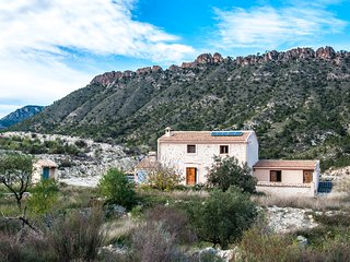 Nice House with Washing Machine and Television - Abaran vacation rentals