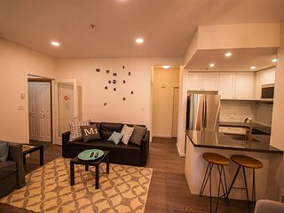 Symphony 34 - Deluxe 1 bedroom,  bath, free wi-fi and parking. Hot Tub Access - Whistler vacation rentals