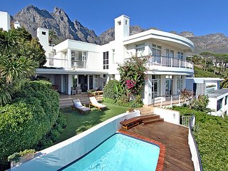 Bright 4 bedroom Villa in Camps Bay - Camps Bay vacation rentals