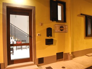 Il Giramondo Affittacamere - San Donnino vacation rentals