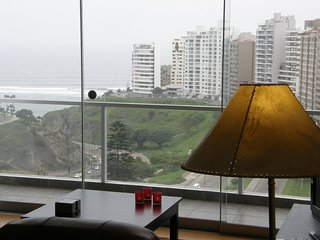 Ocean view, comfortable condo - Lima vacation rentals