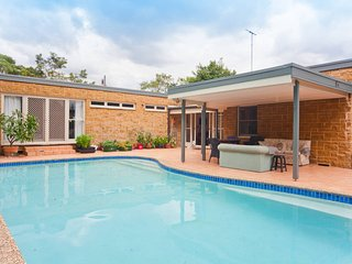 Entertainer's delight close to Sydney's harbour - Lane Cove vacation rentals