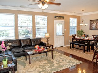 Comfortable 3 Bed Home in Excellent Katy Area - Katy vacation rentals