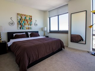 FANTASTIC 2B SUITE,GYM,POOL,NEXT TO 24HR TRAIN-44QA - Jersey City vacation rentals