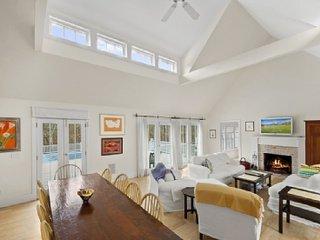 Nice House in East Hampton with Internet Access, sleeps 10 - East Hampton vacation rentals