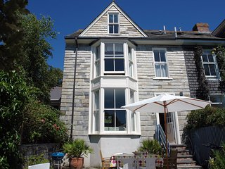 Convenient 4 bedroom Padstow House with Internet Access - Padstow vacation rentals