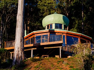 The Roundhouse : Rainforest & Mountains - Jackeys Marsh vacation rentals