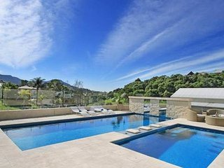 """Kallara"" Luxury Retreat - Wollongong vacation rentals"