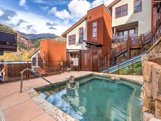 Condo in downtown Telluride, funicular to slopes, community hot tub - In-Town Sophisticate at Element 52 - Telluride vacation rentals