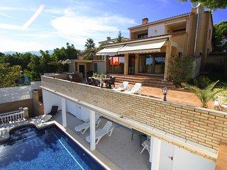 B31 HANRI villa con piscina privada vistas al mar - L'Hospitalet de l'Infant vacation rentals