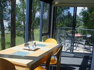 Tamar River Apartments - Treetops 1 Bed Apartment - Rosevears vacation rentals