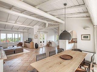 Wonderful Villa with Internet Access and A/C - Padenghe sul Garda vacation rentals
