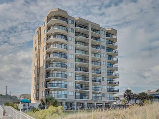 2 bedroom oceanfront condo (end unit) that sleeps 6 - North Myrtle Beach vacation rentals