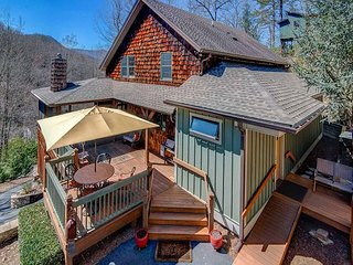 Comfortable House with Deck and Internet Access - Black Mountain vacation rentals