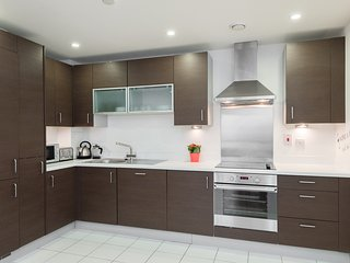 Wilson Tower Apartment - London vacation rentals