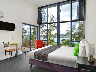 Tamar River Apartments - Treetops Studio Apartment - Rosevears vacation rentals