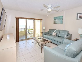 Gorgeous 2 bedroom Condo in Redington Shores - Redington Shores vacation rentals