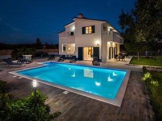 Holiday home Mery :) - Makarska vacation rentals