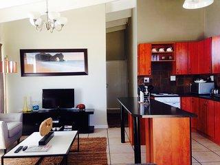 Nice 2 bedroom Milnerton Condo with Internet Access - Milnerton vacation rentals