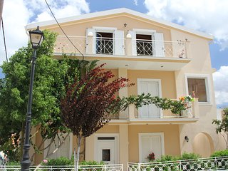 Beautiful 2 bedroom Lixouri House with Internet Access - Lixouri vacation rentals