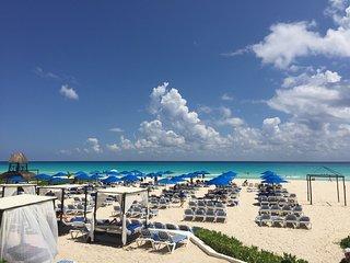Akab 1106 orange , playacar . Luxury 1 bdr apt !! - Playa del Carmen vacation rentals