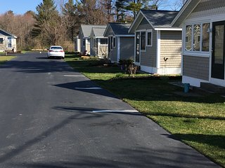Adorable cottage, short walk to Kennebunkport - Kennebunk vacation rentals