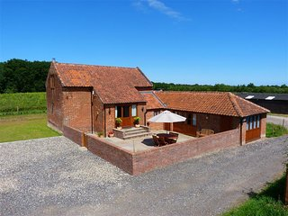 Point Farm Barn (1439) - Wroxham vacation rentals