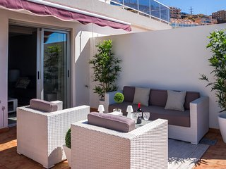 Astonishing ocean views with large terrace: barbacue, lounge chairs. - Tabaiba vacation rentals