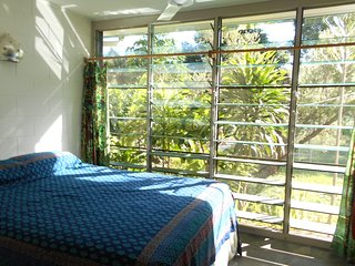 Gorgeous Villa with Internet Access and Television - Nelly Bay vacation rentals