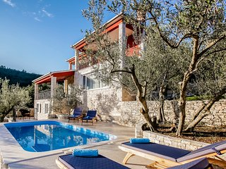 Wonderful Villa with Internet Access and A/C - Blato vacation rentals