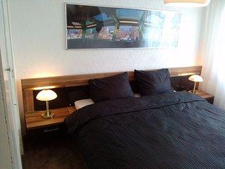 Sonniges Ferienhaus 500m vom Strand - Vlissingen vacation rentals