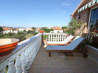Apartments Moreta 4+0 - Biograd na Moru vacation rentals