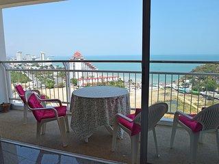 PANORAMIC SEA VIEW CONDO 16th floor, at the beach - Hua Hin vacation rentals