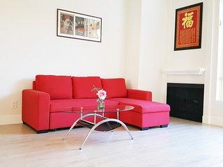 PENTHOUSE LUXURY 1+1 TOP FLOOR+PKGS+GREAT LOCATION - Los Angeles vacation rentals