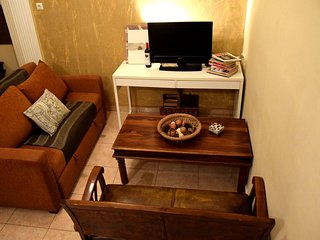 Cozy Modern Apartment in the City Centre Free Wifi - Thessaloniki vacation rentals