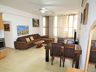 3-room flat only 50 m from the sea- Jerusalem 12/5 - Bat Yam vacation rentals