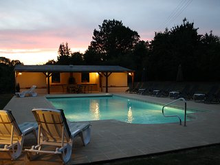 Wisteria gite, family friendly, perfect for LM24hr - Asnieres sur Vegre vacation rentals