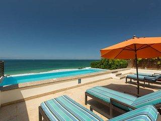 Los Veneros Serene Penthouse. Beach front. Private pool - La Cruz de Huanacaxtle vacation rentals