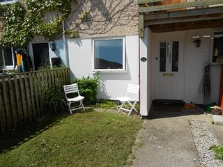 2 Bedroom apartment close to fantastic beach. - Porthtowan vacation rentals