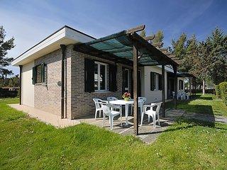 2 bedroom Apartment in Cecina, Costa Etrusca, Italy : ref 2215460 - Marina di Cecina vacation rentals
